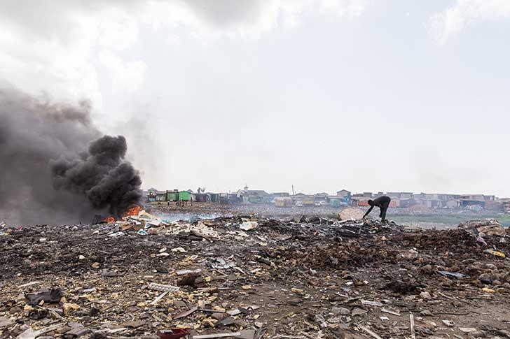Accra la capitale du Ghana est l�une des poubelles des d�chets �lectroniques du monde