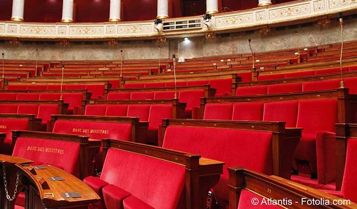 Au Palais Bourbon la r�forme des retraites s�examine sous l�ombre grandissant de l�article 49.3