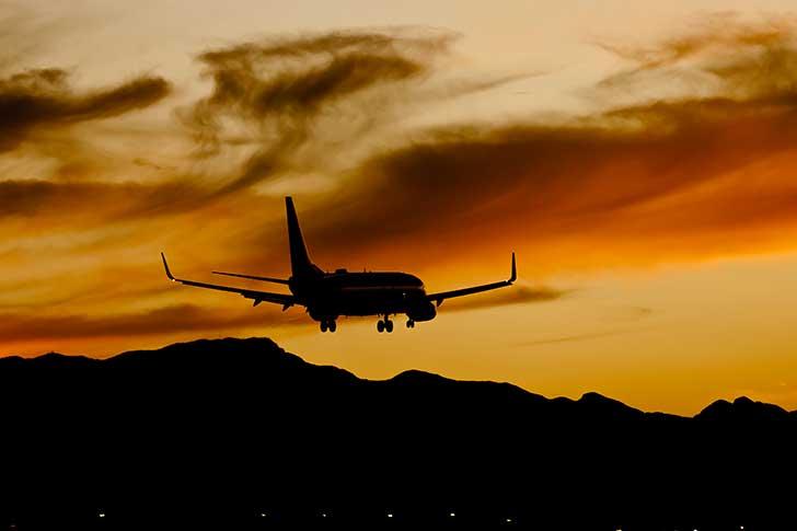 A Istanbul un avion s�est bris� en trois � l�atterrissage