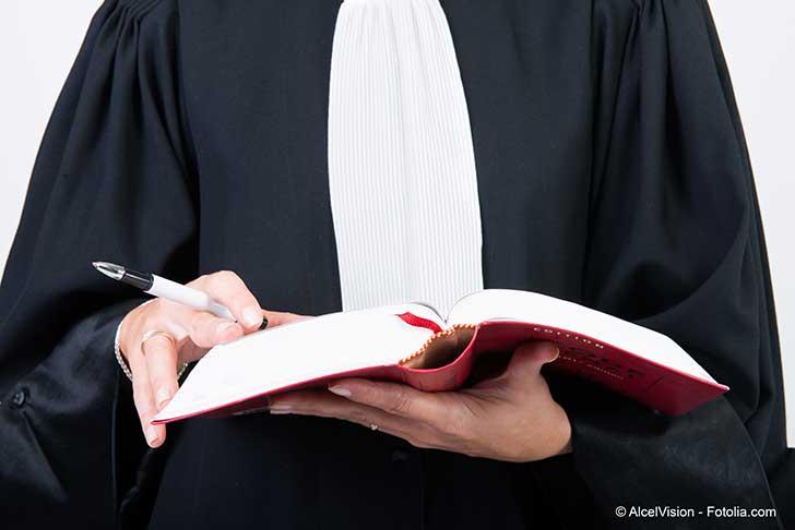 La gr�ve des avocats pour le maintien de leur r�gime de retraite autonome se poursuit