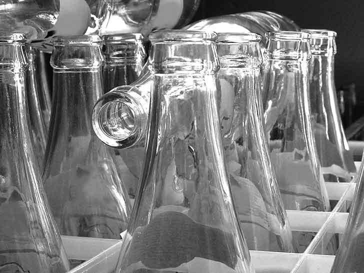 La loi anti-gaspillage bute sur le recyclage des bouteilles plastiques