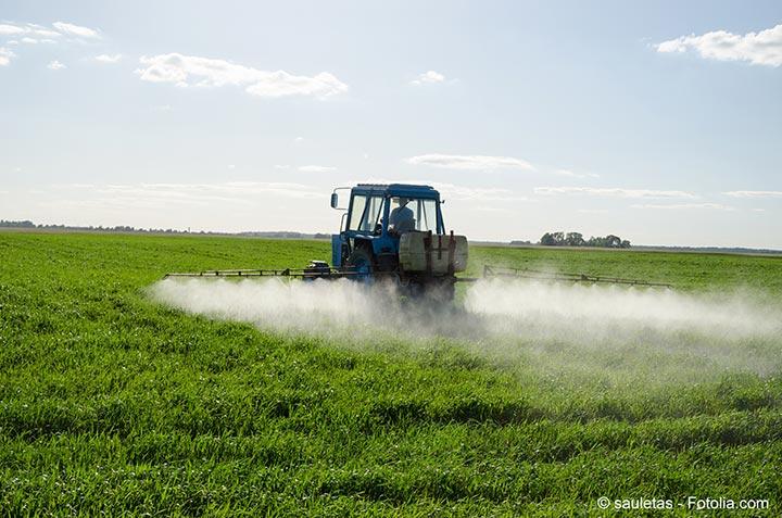 L'autorité européenne de sécurité des aliments aurait autorisé la mise sur le marché de 12 pesticides toxiques
