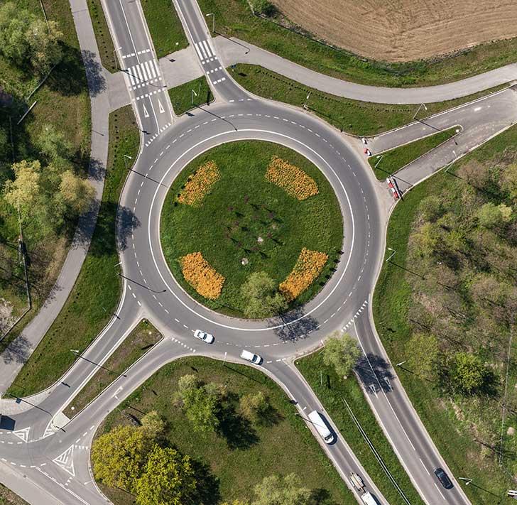 Les 65 000 ronds-points sur le réseau routier en France sont un atout majeur pour la sécurité routière