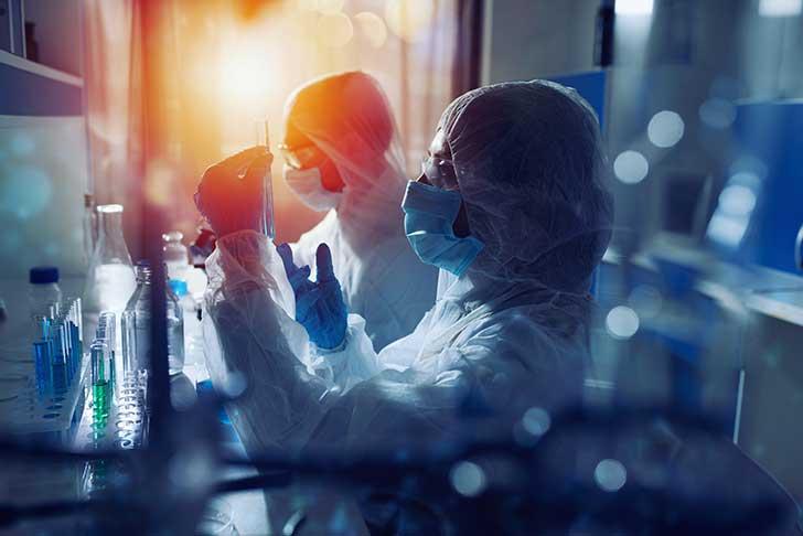 En France l�Institut Pasteur cherche � combler le retard mondial dans la mise au point de m�dicament contre la Covid-19
