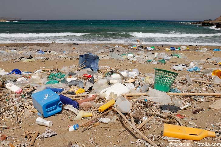 La M�diterran�e se transforme progressivement en mer de plastique