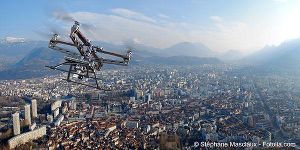 Des drones non identifiés survolent Paris sans pouvoir en être empêchés
