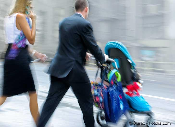Dans la conjoncture actuelle la garde des enfants devient périodiquement un casse-tête pour les familles