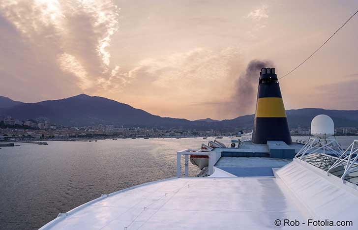 La marine marchande doit changer de carburants pour réduire la pollution