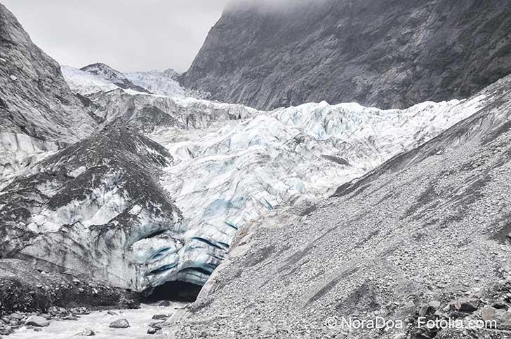 Des scientifiques s'emploient à sauvegarder la mémoire des glaces avant qu'il ne soit trop tard