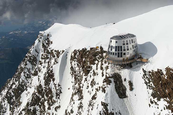 L'accès au Mont-Blanc - devenu un lieu de promenade - vient d'être régulé