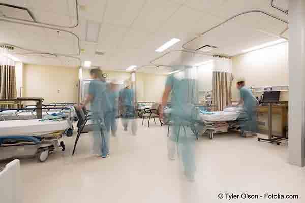Devant la saturation des services hospitaliers le gouvernement a étendu le couvre-feu à 54 départements