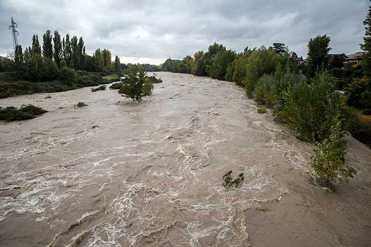 Les explications à deux inondations en huit jours ne manquent pas