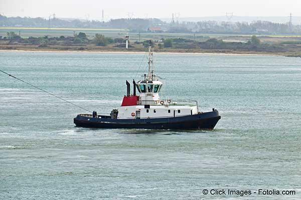 Le Modern-Express un cargo à la dérive est remorqué vers Bilbao son port de refuge