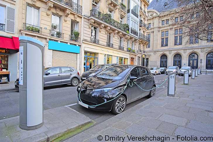 Les voitures d�sertent Paris
