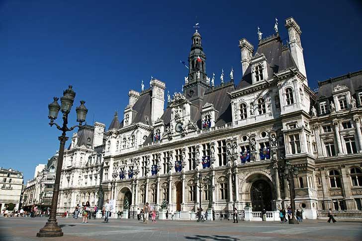 Agnès Buzyn a quitté son ministère pour tenter d'arracher la Mairie de Paris à Anne Hidalgo