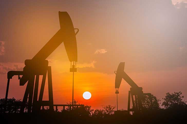La chute du marché du pétrole vole au secours du gouvernement