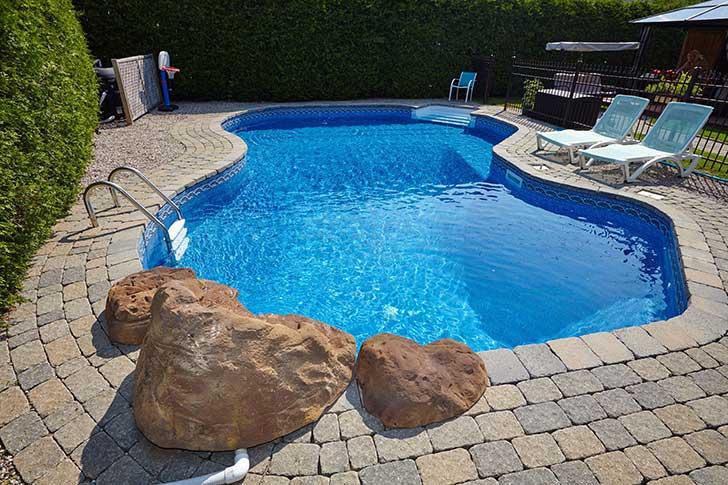 L�assurance des propri�taires de piscines en plein air
