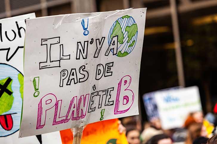La lutte contre la pollution implique la fin des moteurs thermiques