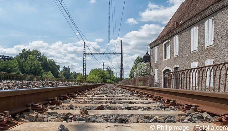 Face aux pannes r�p�t�es � la SNCF la ministre des transports veut y voir clair