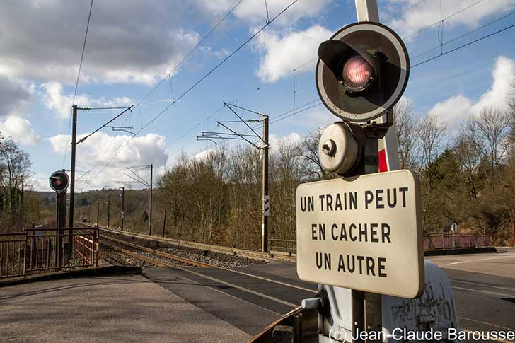La France doit se doter d�un r�seau de train de proximit� facilit� les d�placements