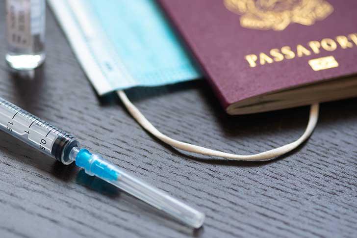 Covid-19 et le ou plus les vaccins
