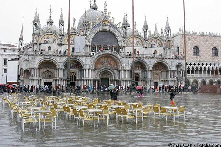 La protection de Venise contre la force des mar�es est en grande difficult�