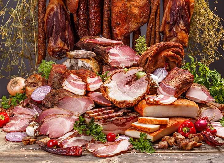 Des experts rassurent les amateurs de viande rouge et de charcuterie