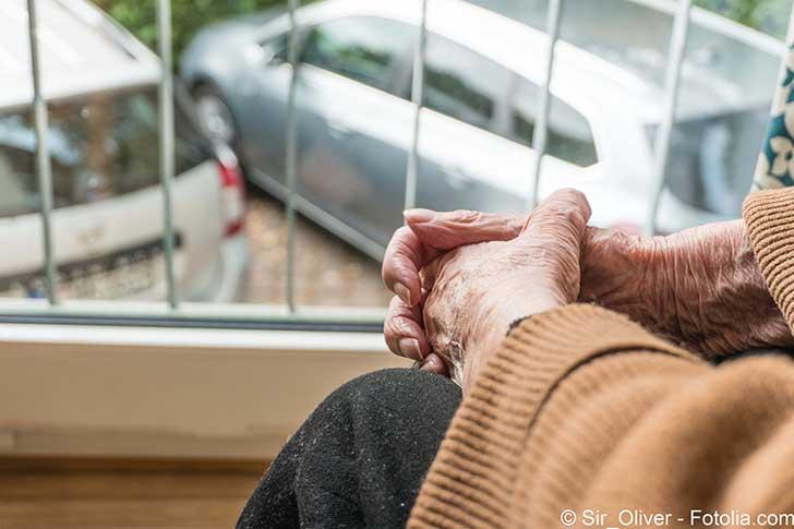 L'aide aux personnes âgées n'est pas qu'une question d'argent
