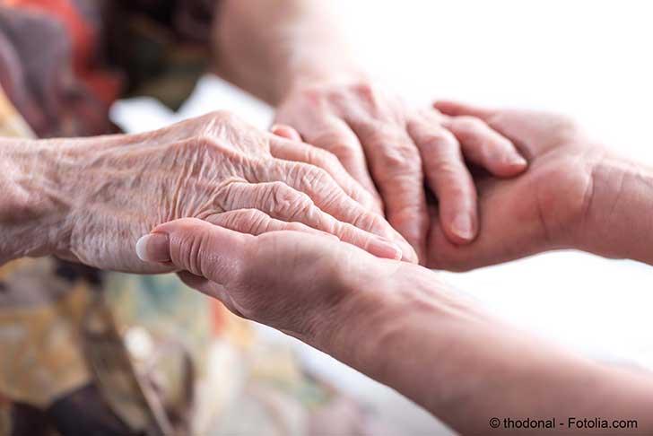 Il devient urgent d'aider les personnes âgées dépendantes