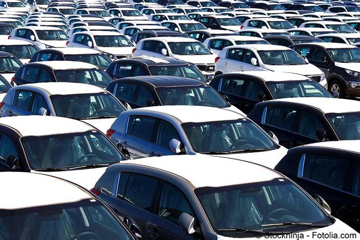 Des constructeurs d'automobiles se regroupent pour faire face à un futur incertain