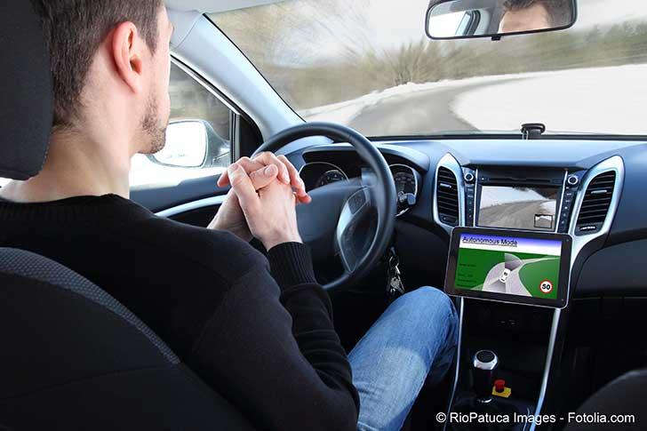 Adaptation future de l'assurance aux véhicules autonomes sans chauffeur